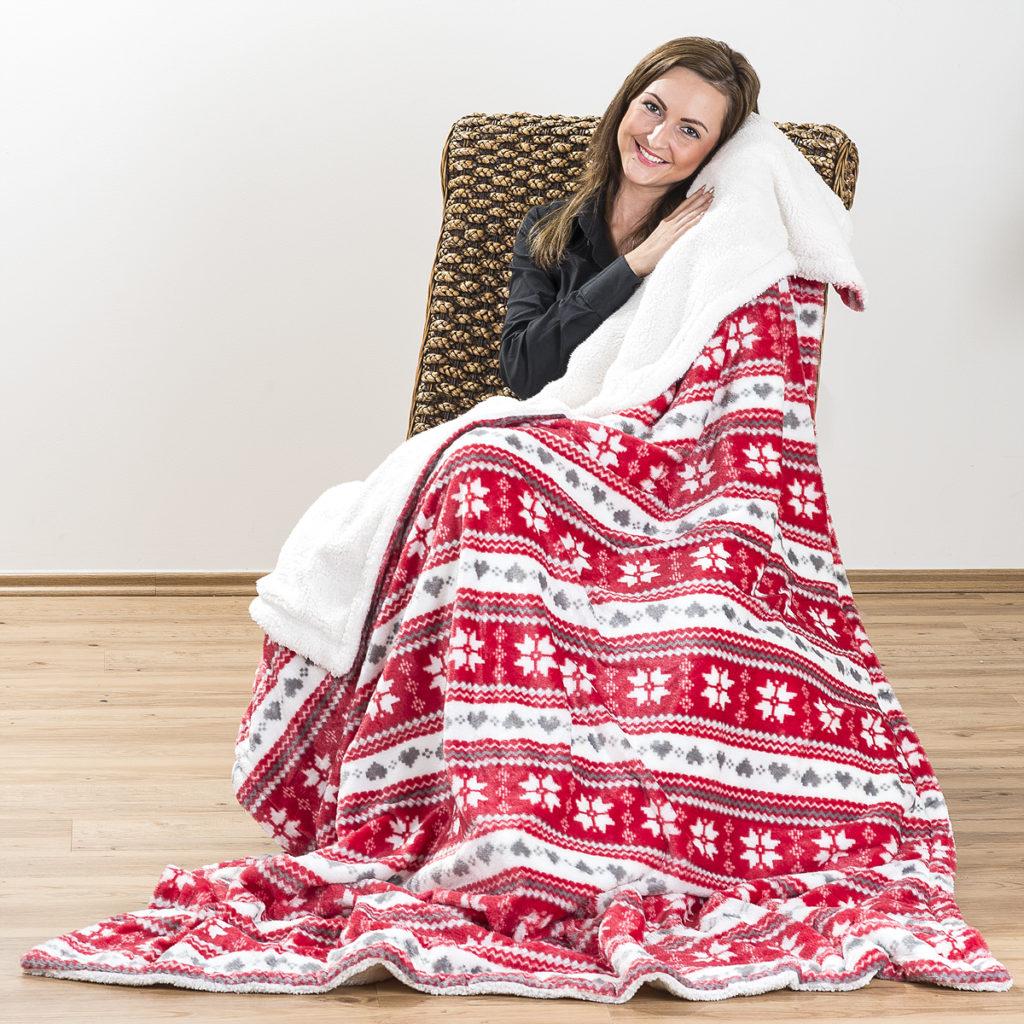 Příjemná beránková deka